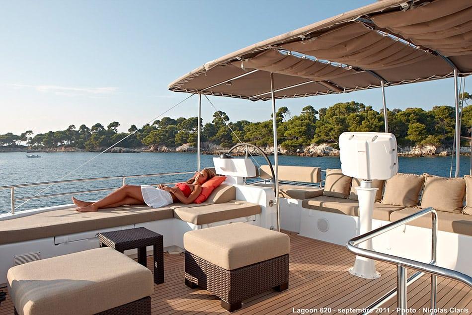 lagoon 620 sun deck