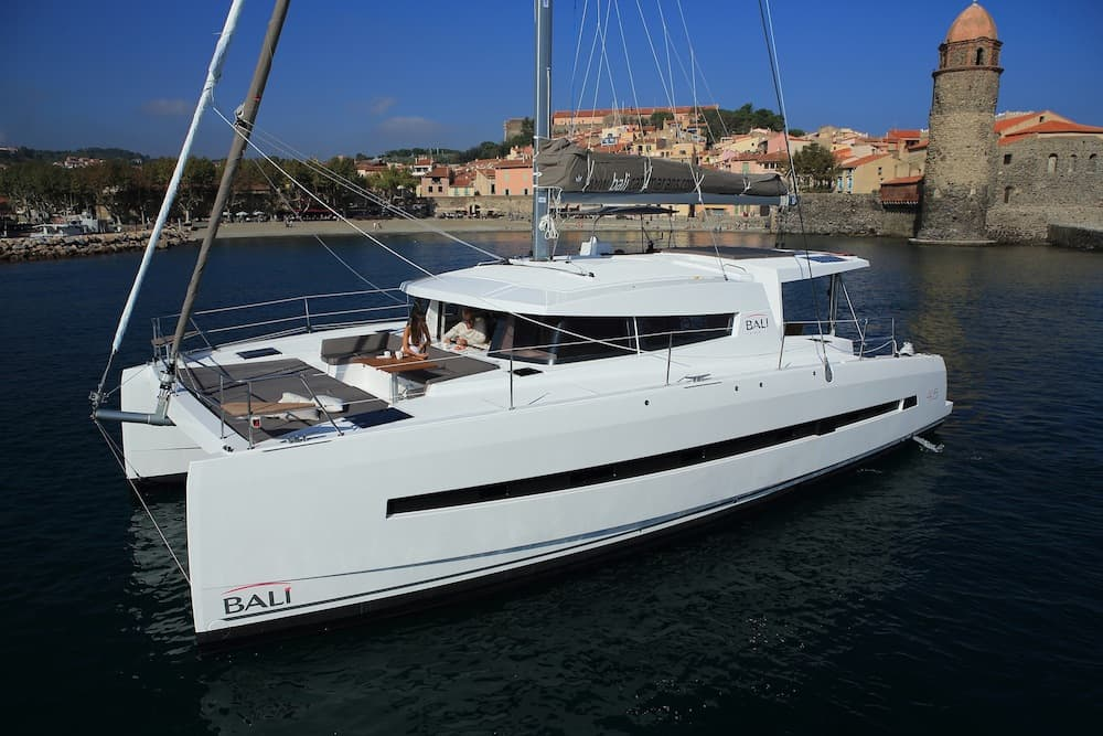 tips on charter yacht ownership from experts