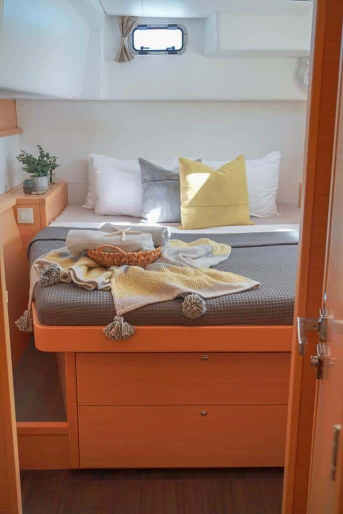 sail luna cabin