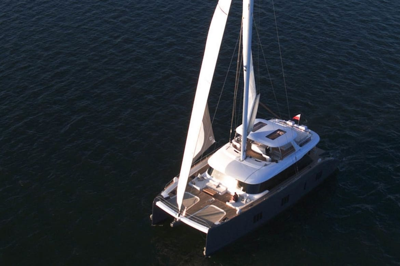 sunreef 50 sails up