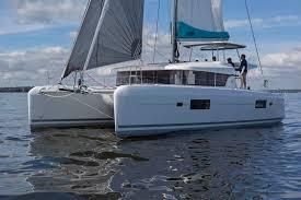 Lagoon 42 Sails Up!