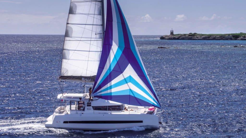 Bali 4.1 Sailing
